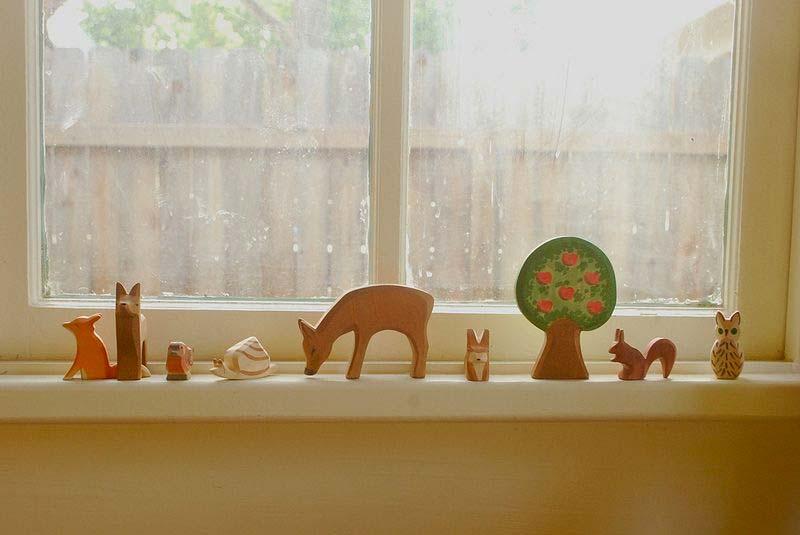 vensterbank decoratie speelgoed