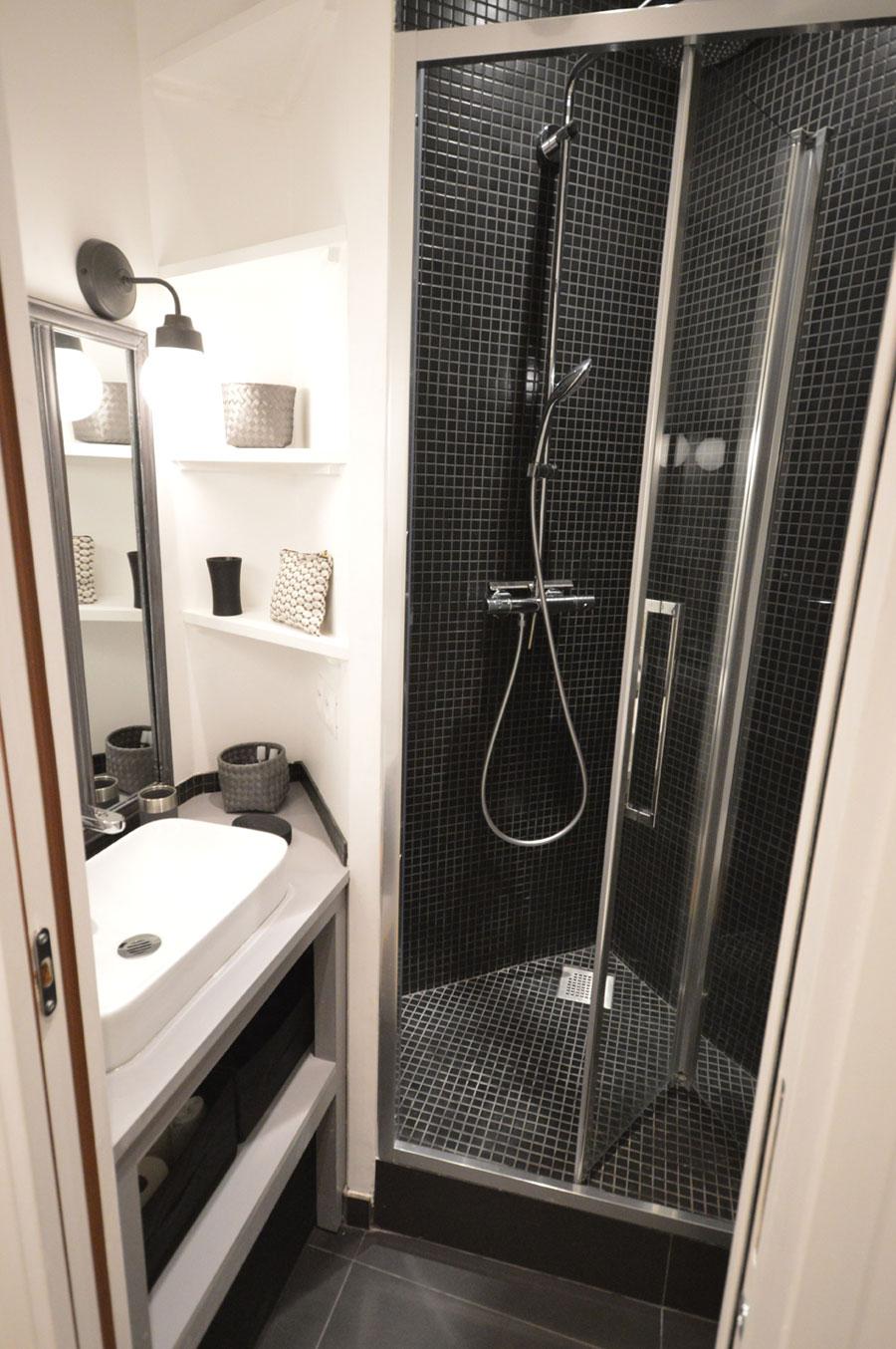 Verbouwing van een super kleine badkamer van nog geen 2m2!
