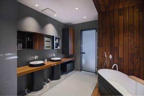 Vrijstaande wastafels en bad