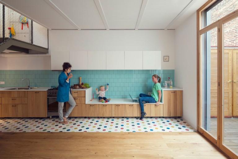 Breedte Openslaande Deuren : Vrolijke keuken met openslaande deuren naar de tuin huis