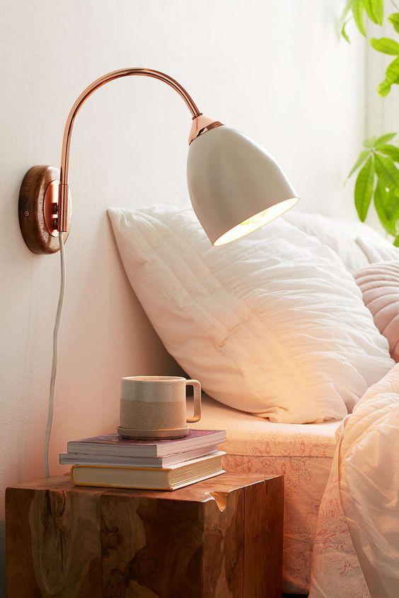 wandlamp naast bed