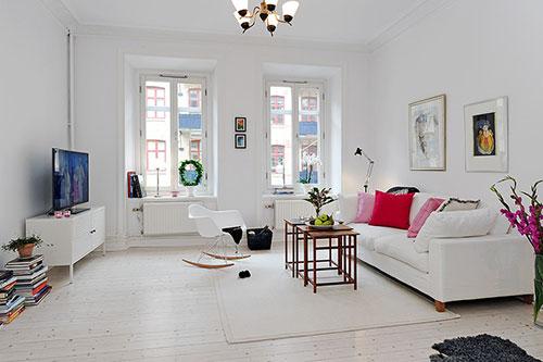 Witte Eames schommelstoel