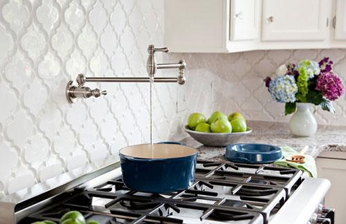 Witte Marokkaanse tegels in keuken