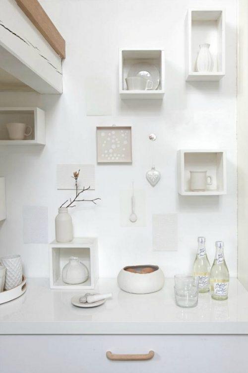 Witte vakken aan de muur