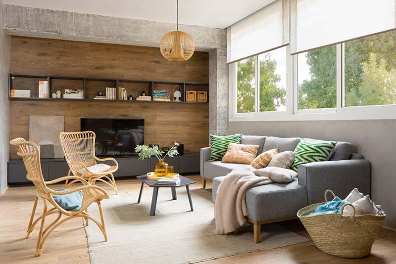 woonkamer ideeen tv meubel op maat aan houten wandbekleding