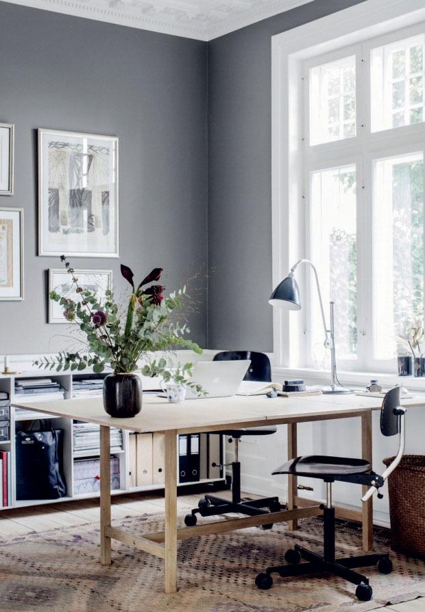 Zo heeft Deense interieurstyliste Cille Grut een hele fijne werkplek gecreëerd in haar woonkamer!