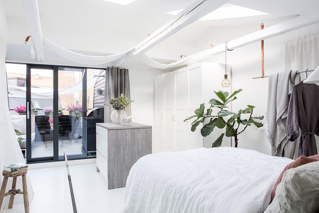 zolder slaapkamer inloopkast