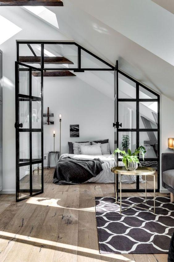 zwarte kozijnen met glas dubbele deuren slaapkamer