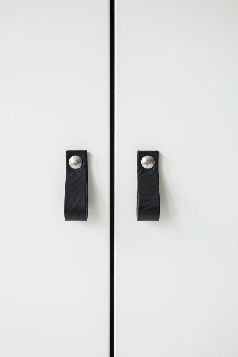zwarte-leren-deurgrepen